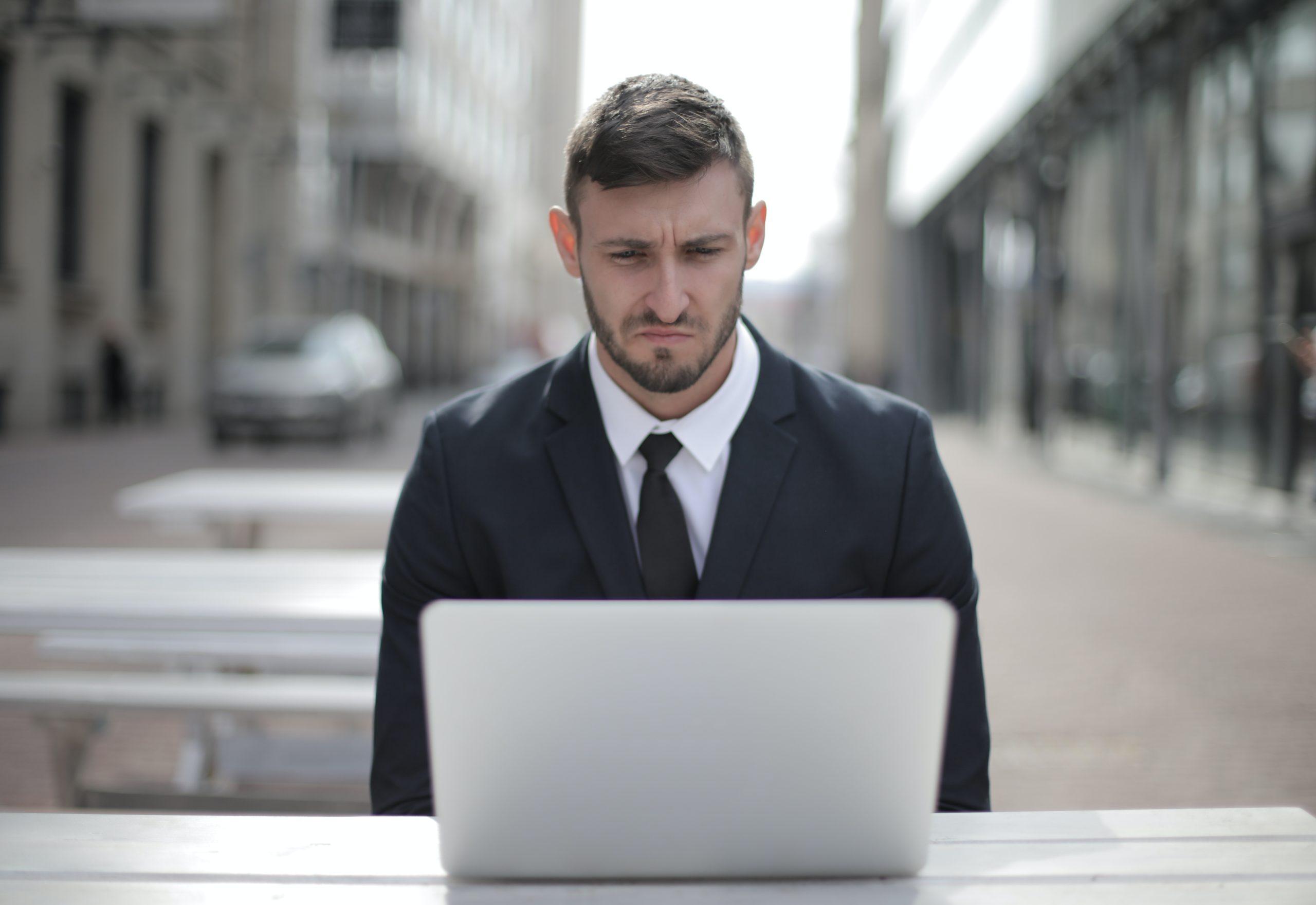 Quali sono le attività fondamentali per la sicurezza informatica personale?